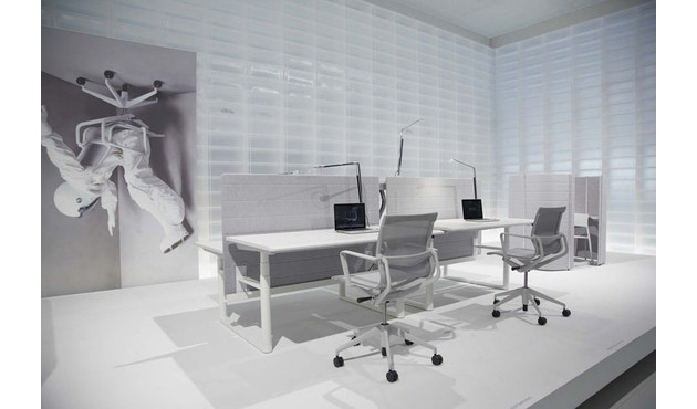 Vitra - Physix Bürodrehstuhl - RollehartTeppichboden-Aluminiumfuss beschichtet soft grey-01 silber-Rahmen 53soft grey - 8