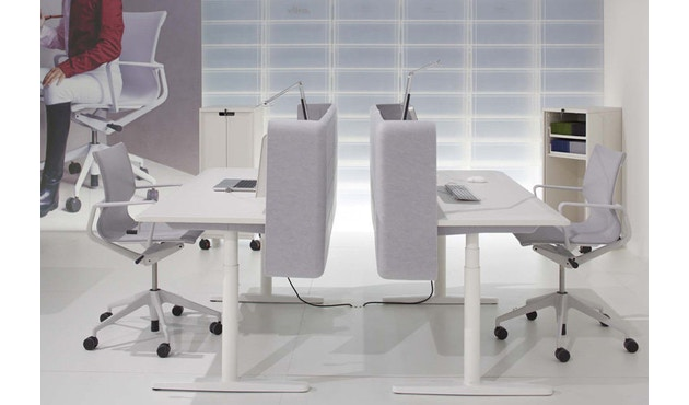 Vitra - Siège de bureau pivotant Physix - Gris doux - 01 argent - roulettes pour sols durs - revêtement soft grey - 7