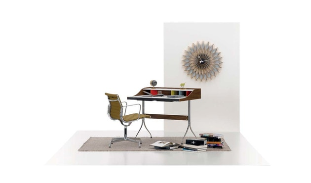 Vitra - Sunflower Clock - Birke - 3