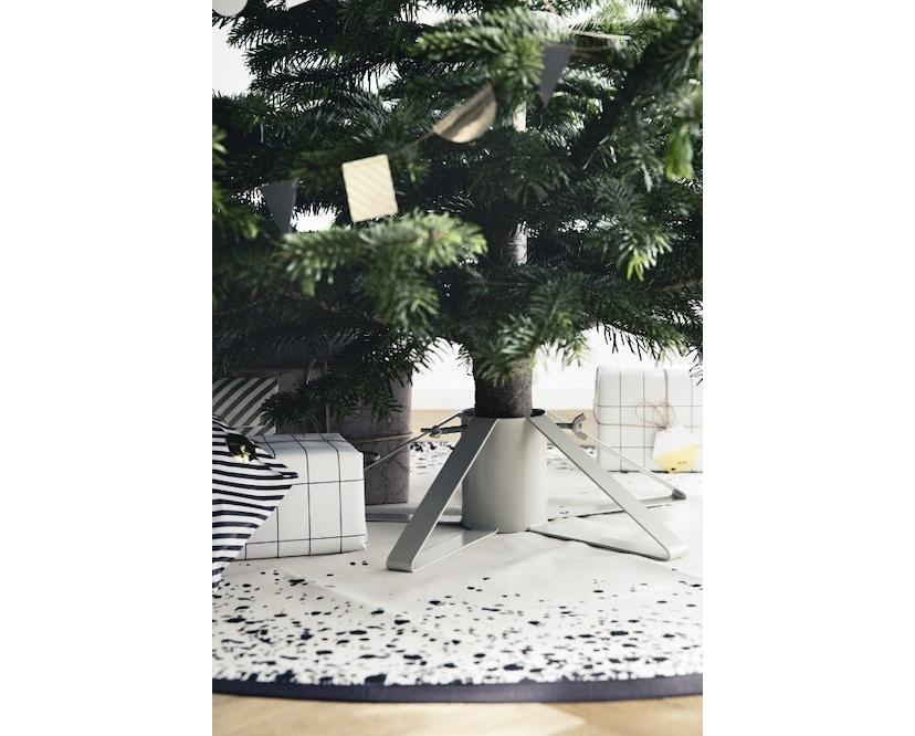 ferm LIVING - Weihnachtsbaum Ständer - messing - 5