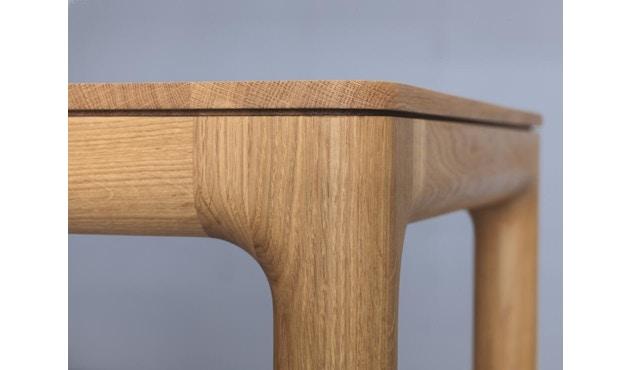 Zeitraum - M11 Tisch quadratisch - Eiche massiv - 60 x 60 cm - 4
