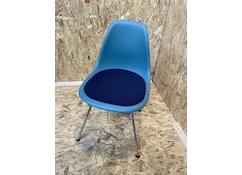 Vitra - Eames Plastic Side Chair DSX mit Sitzpolster - ocean - verchromt - Sitzbezug: dunkelblau maorbraun